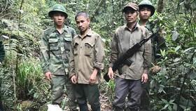Hai đối tượng Mạnh và Mai tại thời điểm bị Bộ đội Biên phòng bắt giữ.