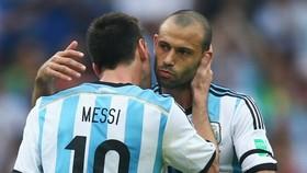 """Lộ bằng chứng HLV Valverde """"dưới màu"""" Messi"""