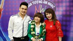 Thiên Khôi cùng ba mẹ