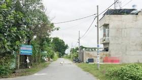 Cùng ở khu dân cư rạch Bà Cua, nhưng có người được xây dựng nhà,  có người phải để đất trống, ở nhà thuê