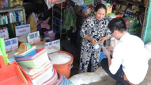 A grocery stores in Binh Chanh District (Photo: SGGP)