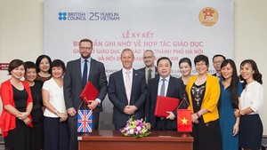 UK, Vietnam strengthen collaboration in education