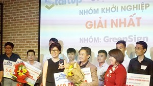 The champion of the contest 'IoT Startup 2018'. Photo by Le Duy