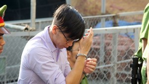 Defendant Nguyen Wiliam Anh escorted to the court