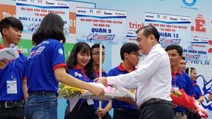2萬志願大學生參加為高考接力活動