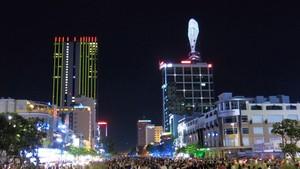 阮惠步行街一直是吸引遊客的景點。