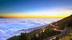 合歡山終年雲霧繚繞。