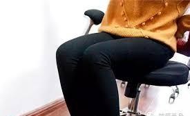 老人女性久坐,痔瘡更高發。(示意圖源:互聯網)