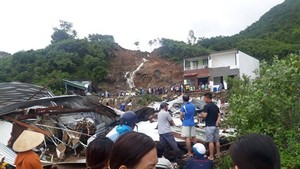 Heavy rains after the 8th typhoon cause landslides in Nha Trang City