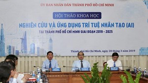 Secretary of HCMC Party Committee Nguyen Thien Nhan and Chairman of HCMC People's Committee Nguyen Thanh Phong chaired the conference. Photo by Hoang Hung