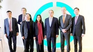 Secretary of the HCMC Party Committee Nguyen Thien Nhan and his delegation visit High Tech Campus of Eindhoven