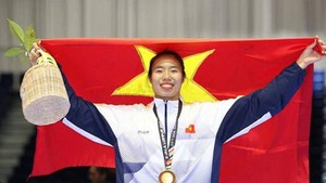 Ho Thi Thu Hien after taking bronze at the 16th Asian Karate Federation Senior Championships which closed on Sunday in Tashkent, Uzbekistan.  (Photo: baohatinh.vn)