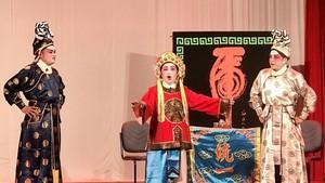 慶祝元宵粵劇將公演。