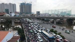 多個地方交通嚴重堵塞。