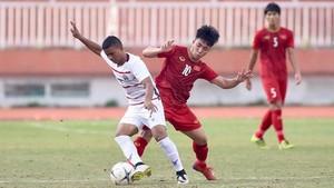 越南隊(紅衣)與柬埔寨隊比賽一瞥。