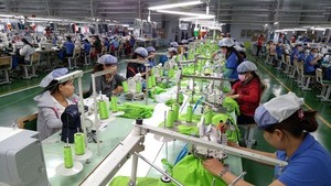 The factory of the Far Eastern New Apparel Vietnam company in Bac Dong Phu Industrial Park, Binh Phuoc province (Photo: VNA)