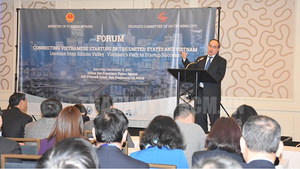HCMC Party Leader Nguyen Thien Nhan delivers a statement at a forum connecting Vietnamese startups in the US and Vietnam in San Francisco on December 9 (Photo: hcmcpv)