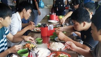 Tránh ngộ độc thực phẩm trong mùa thi: Tăng cường kiểm tra, xử lý nghiêm vi phạm
