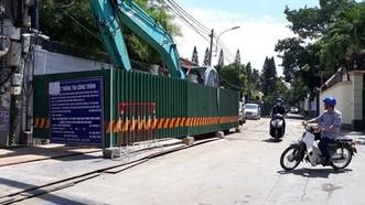 圖為第二郡草田坊陳玉面街上施工中的市環境衛生項目。