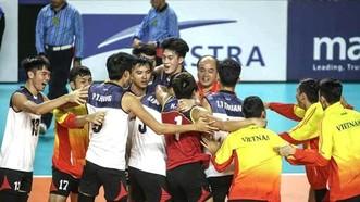 越南隊慶祝勝利。