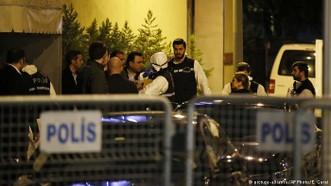 土耳其警方於10月15日進入沙特駐伊斯坦布爾總領事館搜查。(圖源:AP)