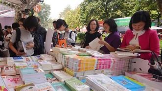 儘管在銷量、營業額高的書展上,詩集也乏人問津。