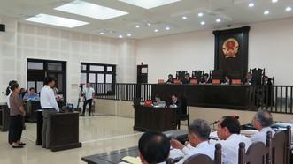 Các bị cáo trước tòa