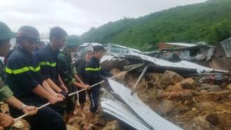 Đã có 14 người chết, 2 người mất tích do mưa lũ ở Nha Trang