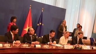 Việt Nam và Liên minh châu Âu (EU) đã ký Hiệp định đối tác tự nguyện về thực thi luật lâm nghiệp, quản trị rừng và thương mại lâm sản (viết tắt là VPA/FLEGT).