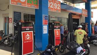 Đề nghị phạt một chủ cửa hàng xăng dầu 412 triệu đồng
