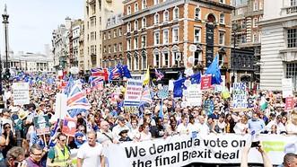Người dân Anh biểu tình phản đối Brexit tại London