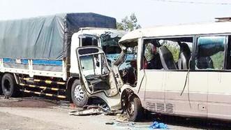 Kiểm tra các đơn vị kinh doanh vận tải để xảy ra tai nạn giao thông