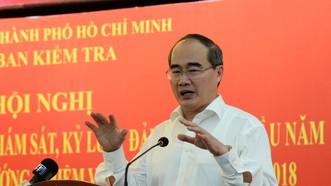 Bí thư Thành ủy TPHCM Nguyễn Thiện Nhân phát biểu chỉ đạo tại hội nghị. Ảnh: KIỀU PHONG