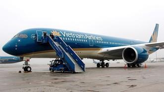Lùi 4 chuyến bay đến Thượng Hải do bão Ampil