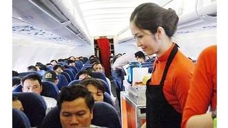 Bị xử phạt vì tự ý mở áo phao trên máy bay