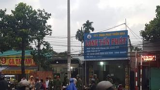 """Công an khám nhà chủ doanh nghiệp gọi Giang """"36"""" vây xe công an"""
