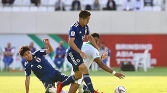 日本隊(藍衣) 1 比 0 擊敗沙特阿拉伯隊。(圖源:互聯網)