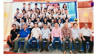 忠義華文學校舉行畢業典禮