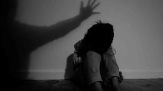 Tạm giữ người đàn ông dâm ô bé gái 9 tuổi