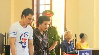 Hai bị cáo tại phiên tòa