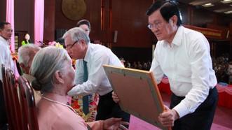 Trao danh hiệu Bà mẹ Việt Nam Anh hùng tại Sóc Trăng