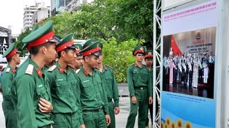 """Khai mạc triển lãm """"Công đoàn Việt Nam – 90 năm một chặng đường lịch sử"""""""