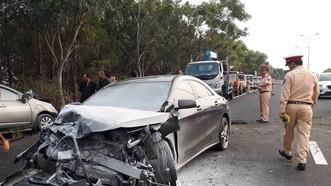 Khởi tố tài xế lái xe lao qua làn ngược chiều trên cao tốc khiến 2 người tử vong