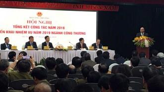 Thủ tướng Nguyễn Xuân Phúc khen ngợi những nỗ lực và thành tích vượt bậc mà ngành công thương