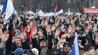 Biểu tình phản đối luật lao động sửa đổi tại Budapest, Hungary,ngày 19-1. Ảnh: AFP/TTXVN