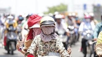 Người dân khốn đốn vì nắng nóng