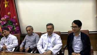 Bệnh viện Bạch Mai họp báo, bác sĩ Phong xin lỗi vì những phát ngôn tại chùa Ba Vàng