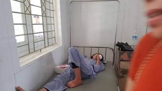 Học sinh Bùi Ng. Q. A. được điều trị tại bệnh viện