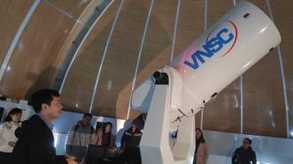 Ống kính quan sát của Đài thiên văn Hòa Lạc