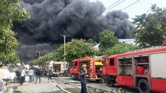 Cảnh sát PCCC TPHCM chữa cháy ở một cơ sở sản xuất trên địa bàn quận Bình Tân